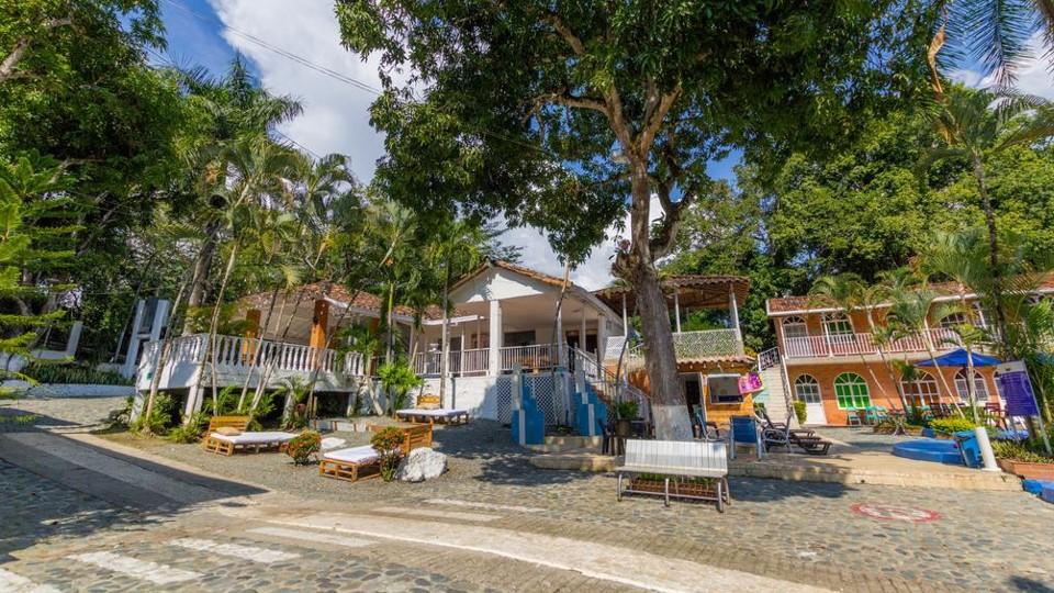 hotel portón de occidente san jerónimo
