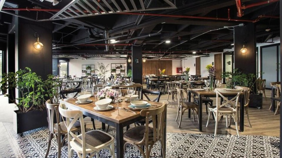 restaurante hotel lagoon cumbal